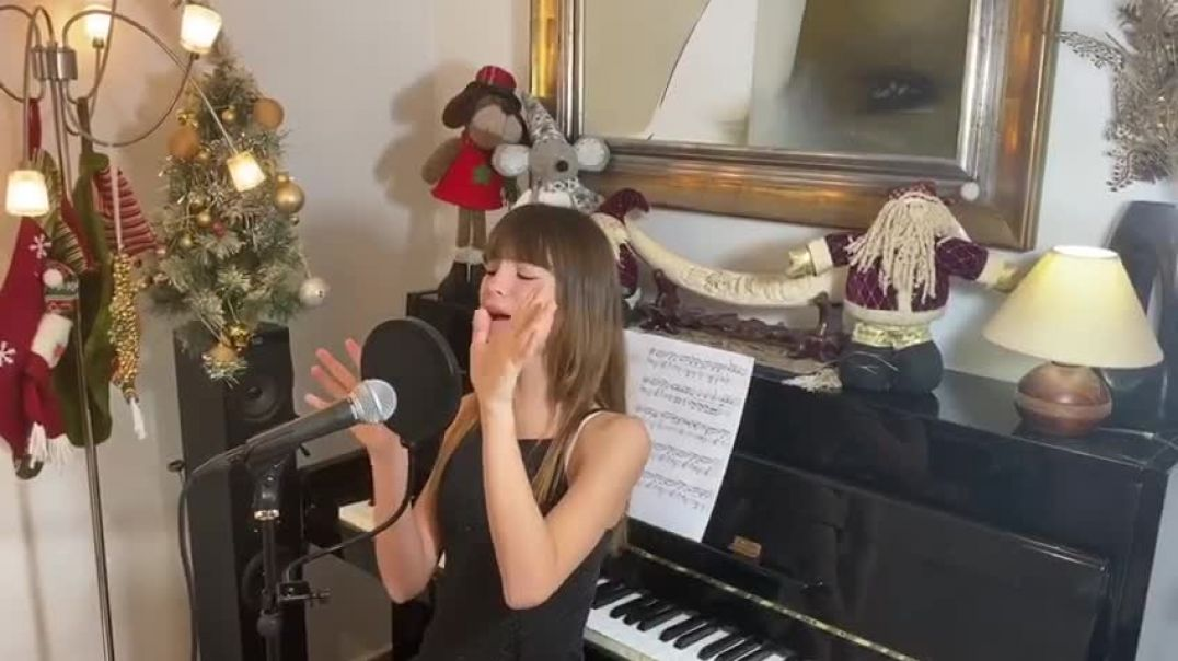 Charlotte Summers - Happy Christmas (War is Over)