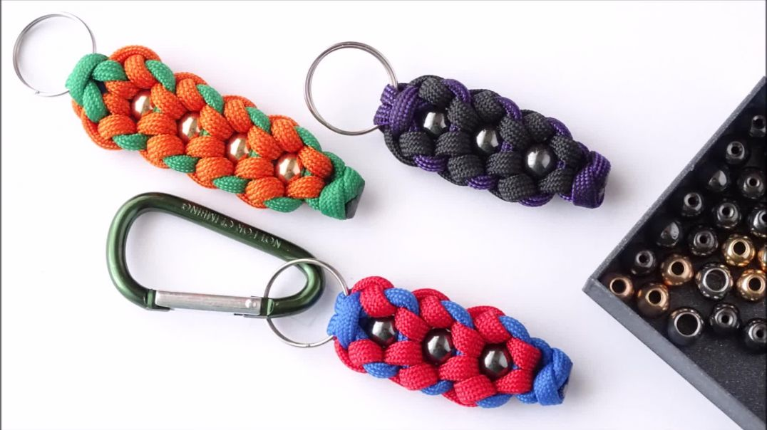 Make a Simplified Beaded Daisy Flower Knot Paracord Keychain